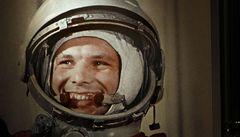Gagarin pocházel ze skromných poměrů, sláva mu dělala potíže