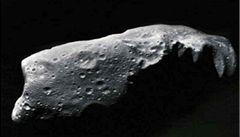 Téměř půlkilometrový asteroid mine letos Zemi