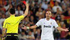 VIDEO: Zákeřný Pepe viděl červenou. Správně?