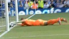 Anglie bouří. Tlačí Chelsea k titulu sudí?