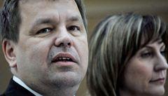 Tluchoř: Šest miliard by měl ministr financí najít během svačiny