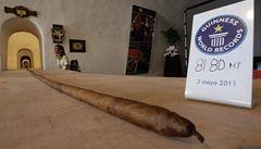 Kubánci umotali nejdelší doutník. Měří 82 metrů