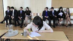 V maturitních testech se studenti zhoršili, nejvíc v matematice