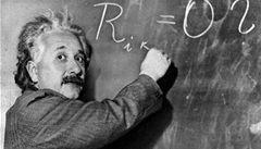 Einstein měl pravdu, neutrina světlo nepředhonila
