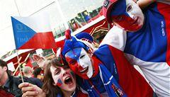 Kdo neskáče, není Čech. Tribuny v O2 Areně poškodilo hopsání fanoušků