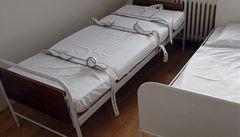Kurtování, ponížení a dryáky v psychiatrických léčebnách? Právníci chtějí speciální kontroly