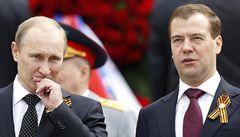 Medveděv: Putin má větší šance stát se prezidentem