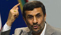 Ahmadínežád: Za sucho může spiknutí Západu