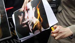 Kaddáfího konec je umíráčkem tyranů, píší arabští blogeři