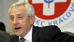 Ministr Heger zatím další poplatky neplánuje