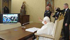 Papež poprvé požehnal astronautům do vesmíru