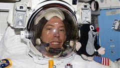 Astronaut Feustel přijede do Prahy i s krtečkem