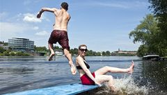 Vody v pražských koupalištích se nebojte, je nezávadná