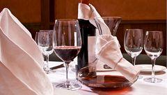 Kdy v restauraci vyměnit sklenice na víno?