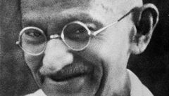 Kdo nosí Gándhího brýle? Ztratily se z muzea v Indii