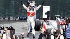 Bláznivý závod F1 patřil Buttonovi, Vettel chyboval