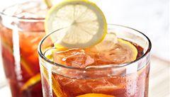 Bez éček a cukrů. Připravte si domácí ledové čaje