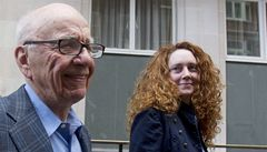 Policie zadržela Murdochovu favoritku, kvůli odposlechům
