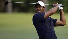 Golfista Woods se po dvou měsících vrací k hraní