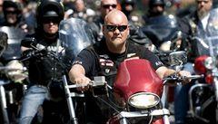 Nizozemská policie zadržela 56 motorkářů