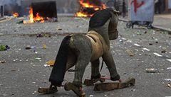 Londýnské nepokoje mají první oběť. Postřelený mladík zemřel