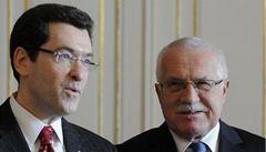 Senát řekl ano, Eisen zůstane v Praze