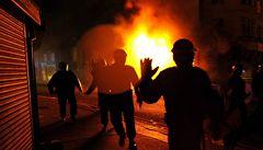 Bouře anglického násilí olympiádu neohrozí, věří MOV