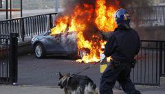 Násilnosti pokračují, v Birminghamu zemřeli tři lidé