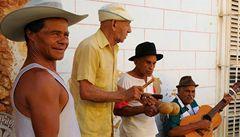 Turisté z USA smějí opět na Kubu. Družit se s místními