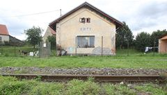 Na domek Romů někdo zaútočil zápalnou lahví