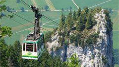 Dvacet lidí strávilo noc v bavorské lanovce