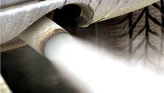 Nadýchání kouře z aut prý může urychlit infarkt