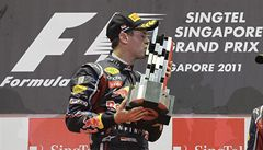 Vettel vyhrál, ale oslavy mu překazil druhý Button