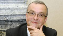 České reformy jsou v ohrožení, couvá už i Kalousek