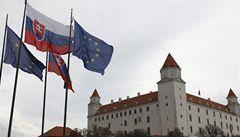 Slovensko šetří, zruší dva státní svátky