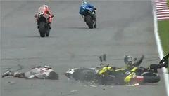 Tragédie v MotoGP. Simoncelli zemřel, přejel ho Rossi