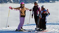 Část skiareálů zachová bezplatné lyžování pro děti