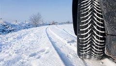 Povinné zimní gumy? Řidiči se mohou snadno vymlouvat