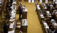 Vláda odloží reformu, pokud opozice přestane s obstrukcemi