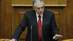 Řecká vláda se rozpadá, neshodla se na škrtech