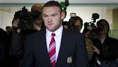 Rooney má menší trest. Stihne i zápas ve skupině Eura