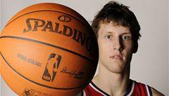 Veselý se v NBA zlepšuje. Proti Houstonu dal sedm bodů