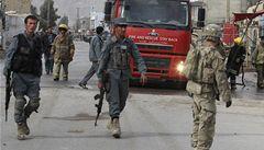 V Afghánistánu při útocích zemřelo 13 lidí, desítky zraněných