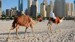 V bohaté Dubaji pršely bankovky v hodnotě milionu dolarů