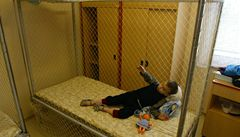 Týrání, násilí. Organizace kritizuje psychiatrickou péči v Česku