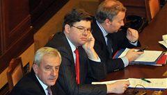 Sněmovna odmítla senátní návrh k veřejným zakázkám