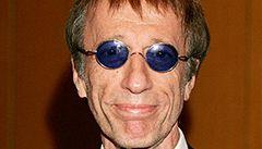 Zpěváka Bee Gees probrala z kómatu vlastní hudba