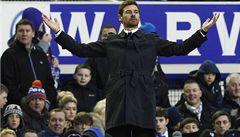 Hráči Chelsea se pustili do trenéra před Abramovičem