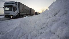 Česko pod sněhem. Hory hlásí nebezpečí lavin
