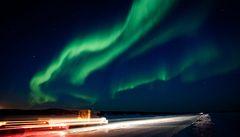Sluneční erupce vyvolaly intenzivnější polární záři